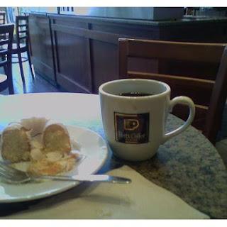 Quick Breakfast Coffee Cake