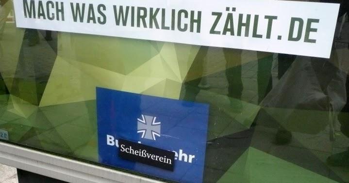 Plakatwerbung der Bundeswehr.