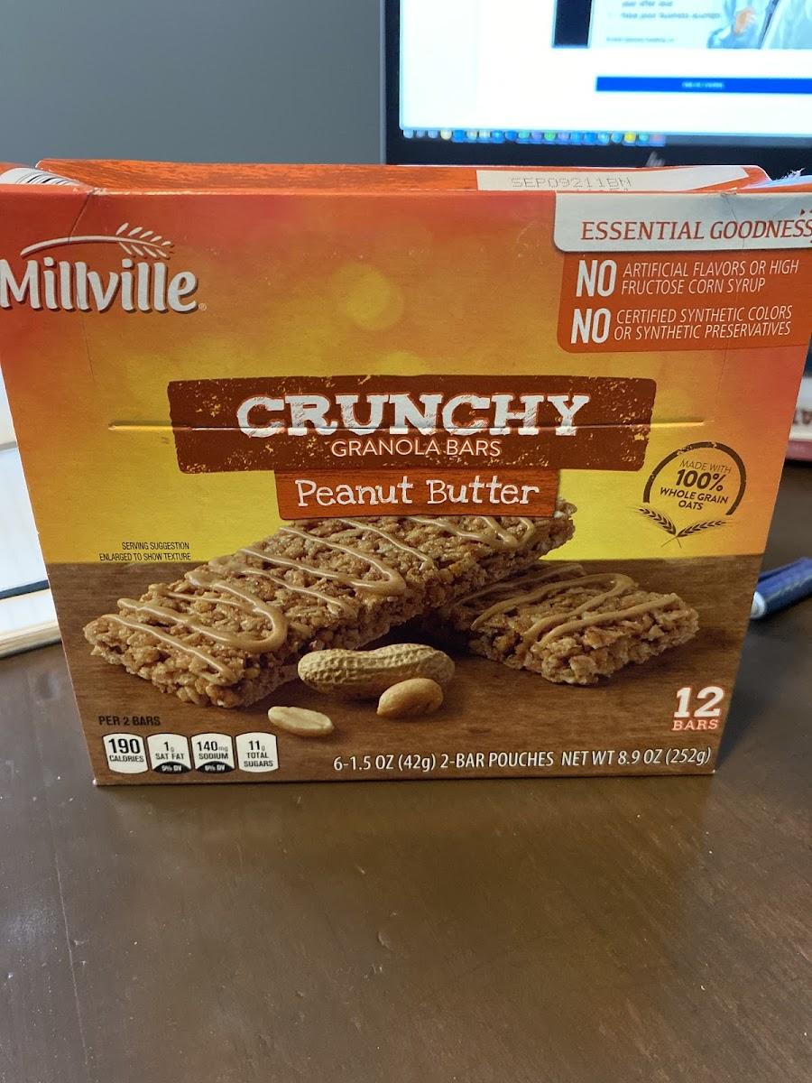 Crunchy Peanut Butter Granola Bar