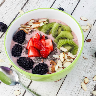 Healthy Strawberry Kiwi Chia Seed Smoothie Bowl