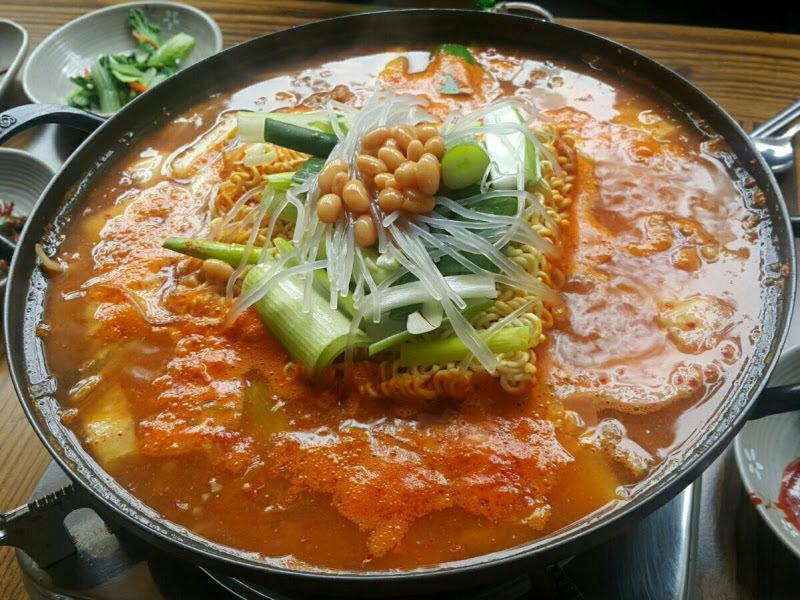 박주용 대표 맛집 탐방 서울 중랑구 '다인 부대찌개'