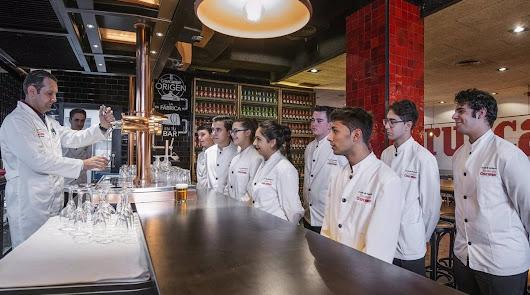 Titulación para los camareros y cocineros andaluces