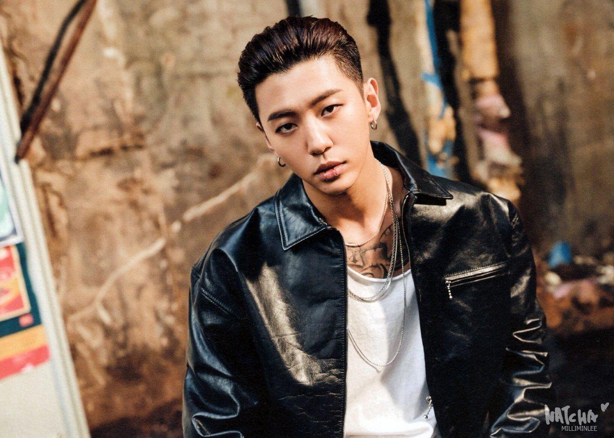 Bang-Yongguk-B.A.P-Berbagi-Pengalaman-Beratnya-Menjadi-Komposer-di-Industri-K-Pop-Lewat-Buku-Idols-Studio-2-1