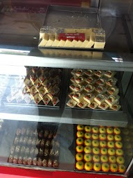 Dhannuram Sweets & Restaurant photo 2