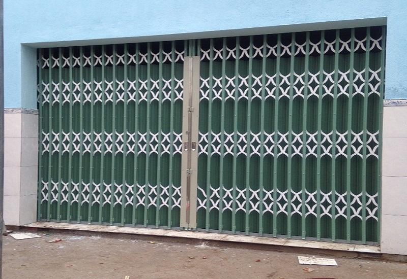 Cửa kéo hàng rào bảo vệ vững chắc đầu tiên