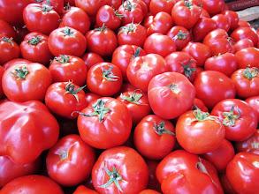 """Photo: Näitä ja muita vihanneksia ja hedelmiä """"ostimme"""" vain kuvina vihannesmarkkinoilta"""