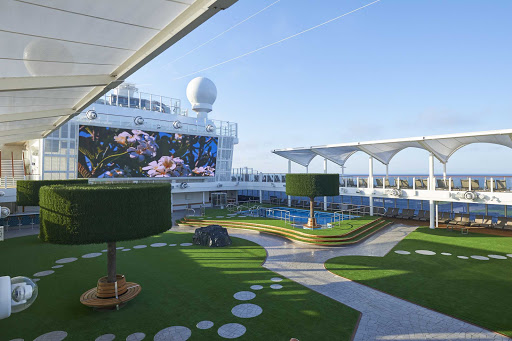 norwegian-joy-Serenity-park.jpg - Revel in the peace of Serenity Park, an adults-only retreat on Norwegian Joy.