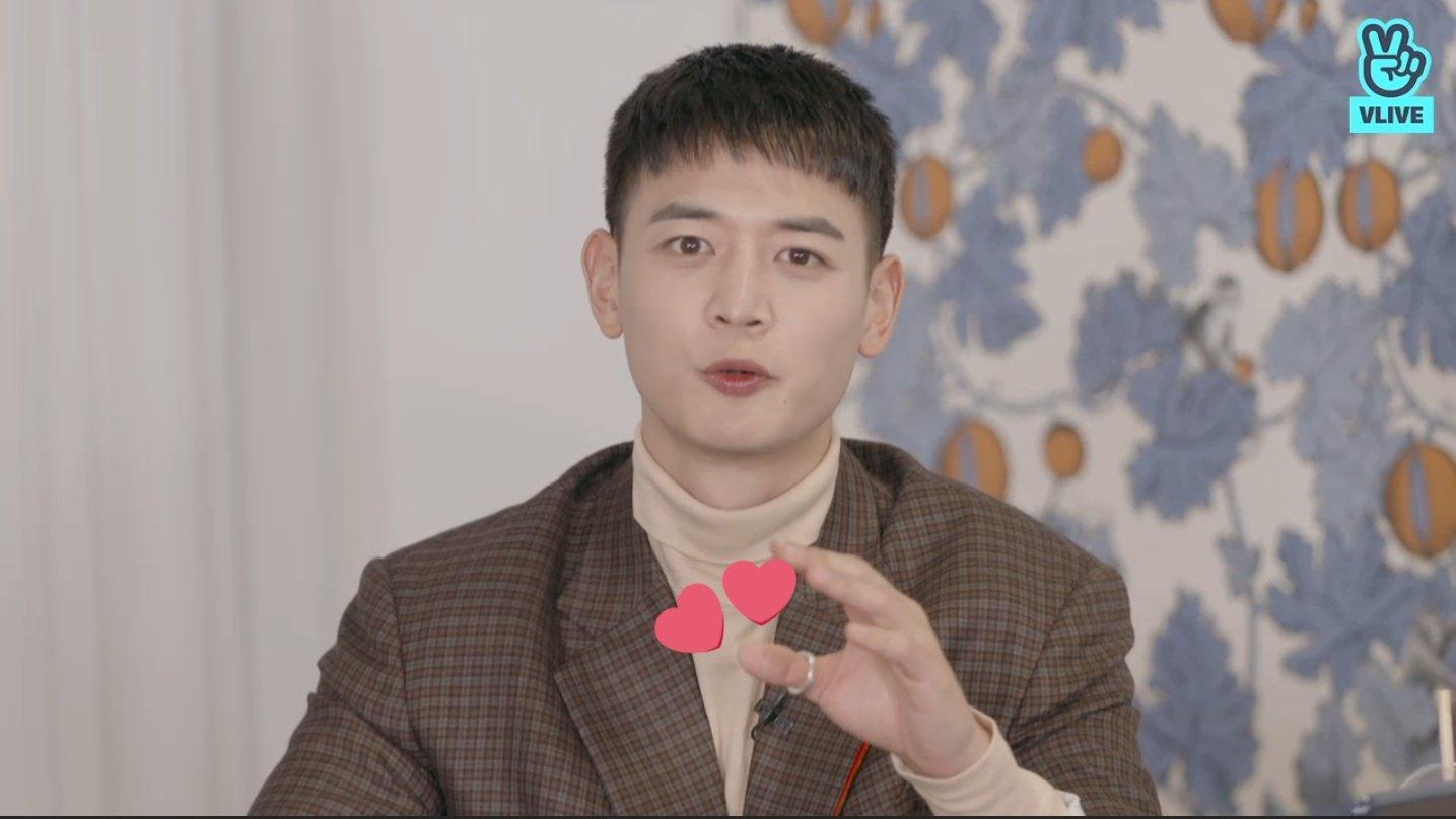 minho wearing jjongs ring