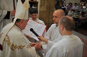 Photo: slib poslušnosti biskupovi