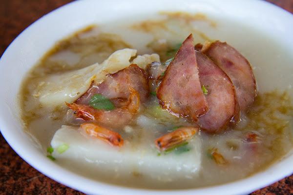 屏東 東港 林記肉粿 飄香三十年的在地美食,加了蝦米更有海味!