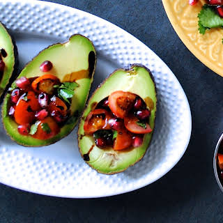 Easy Avocado 'Guacamole' Boats.