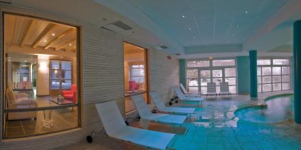 Photo: Espace détente de la résidence (piscine)