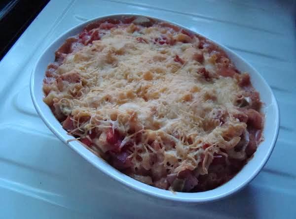 Meat-macaroni Casserole