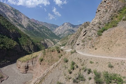 The Khingob river carved out a beautiful valley.