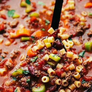 Crockpot Pasta E Fagioli {Olive Garden Copycat Recipe}.