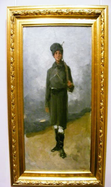 INFANTRYMAN AT MUSEUM OF ART COLLECTIONS BUCHAREST