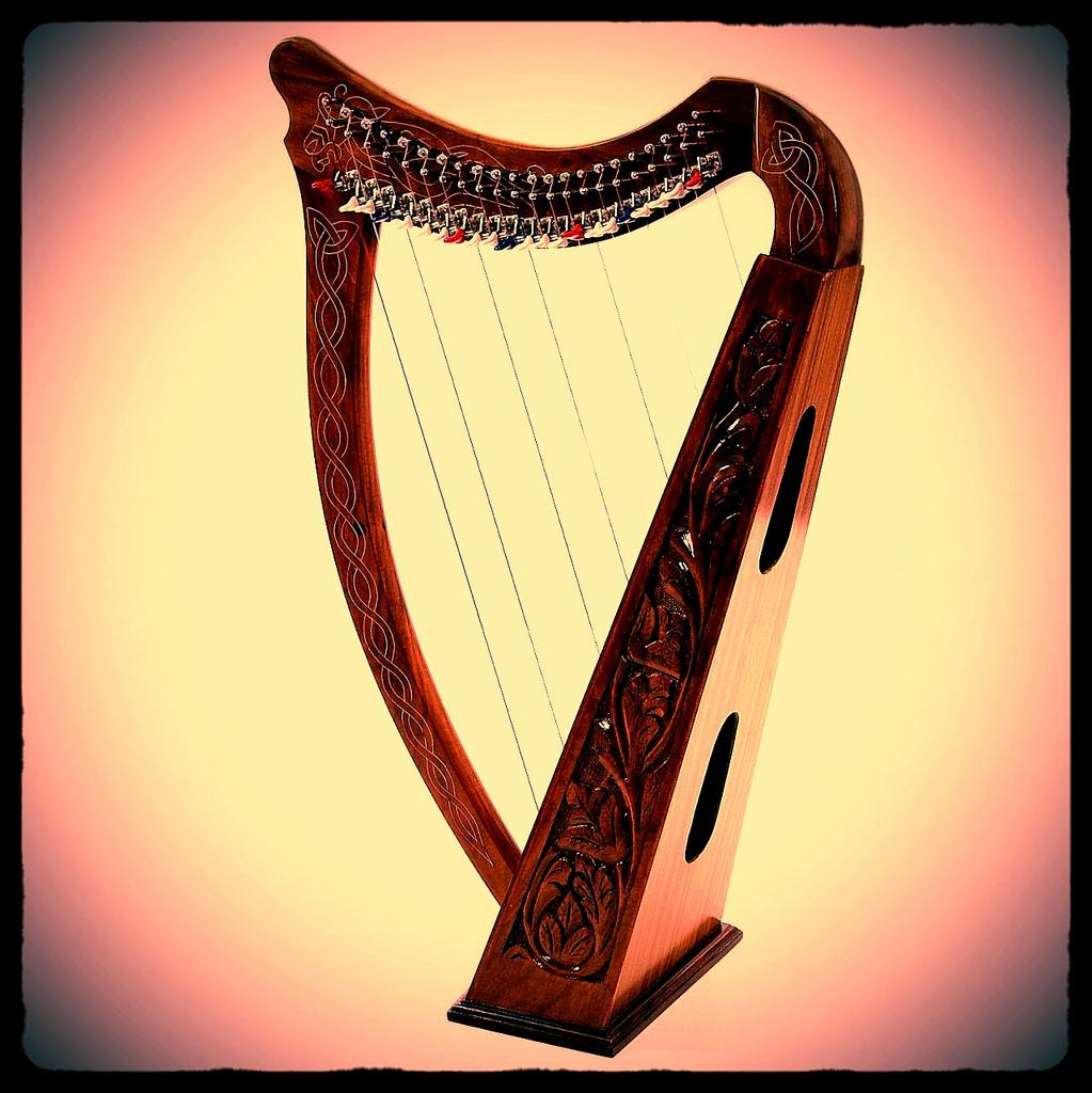 Celtic Harp.jpg