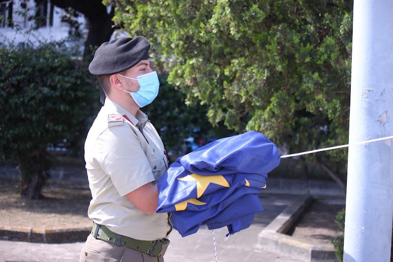 alza bandiera di Antonio De Felice