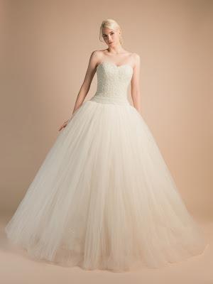 robe-de-mariee-amour-robe-de-mariee-avec-bustier-tout-en-perles-de-cristal-blanc