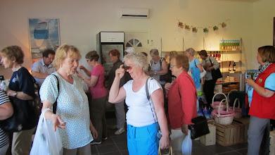 Photo: Paluumatkan kahvipaikaksi löytyi Tammiluodon viinitila, joka sai yllättäen monta asiakasta!
