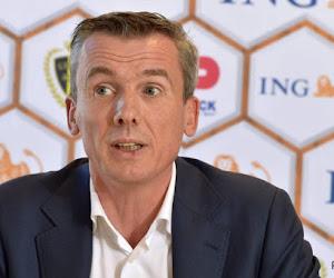 'Scheidsrechtersbaas Verbist doorbreekt de stilte in verband met enkele belangrijke strafschopfases rond Genk - Club en Antwerp - Club'
