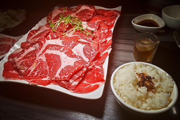 好食多涮涮鍋大安店 你敢挑戰1公斤 899的沙朗心肉盤嘛?