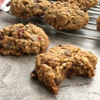 Low Sugar Oatmeal Chocolate Chip Cookies.