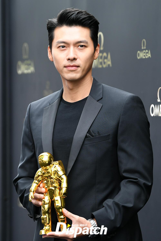 black suit hyunbin