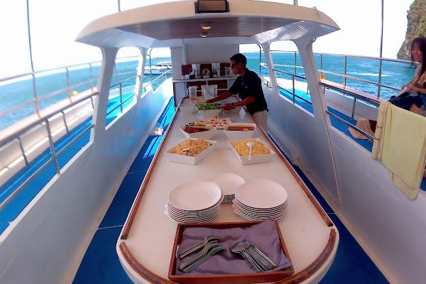 Enjoy a delicious lunch on board the Club Mermaid Cruise