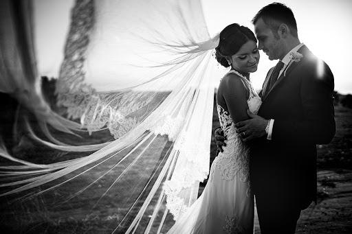 Wedding photographer Leonardo Scarriglia (leonardoscarrig). Photo of 04.08.2019