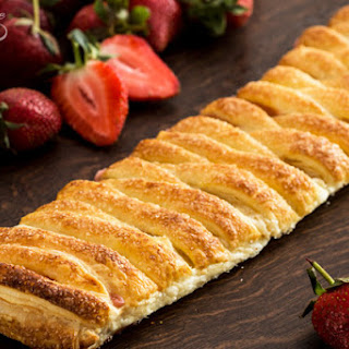 Strawberry Puff Pastry Braid.