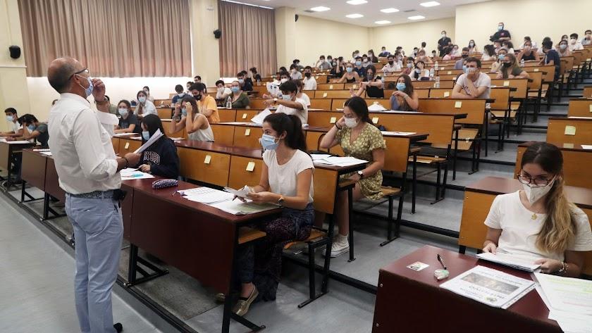 Estudiantes andaluces en la prueba de selectividad del año pasado.