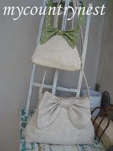 Photo: coppia di tracolle in linone grezzo con cerniera per mamma e bimba