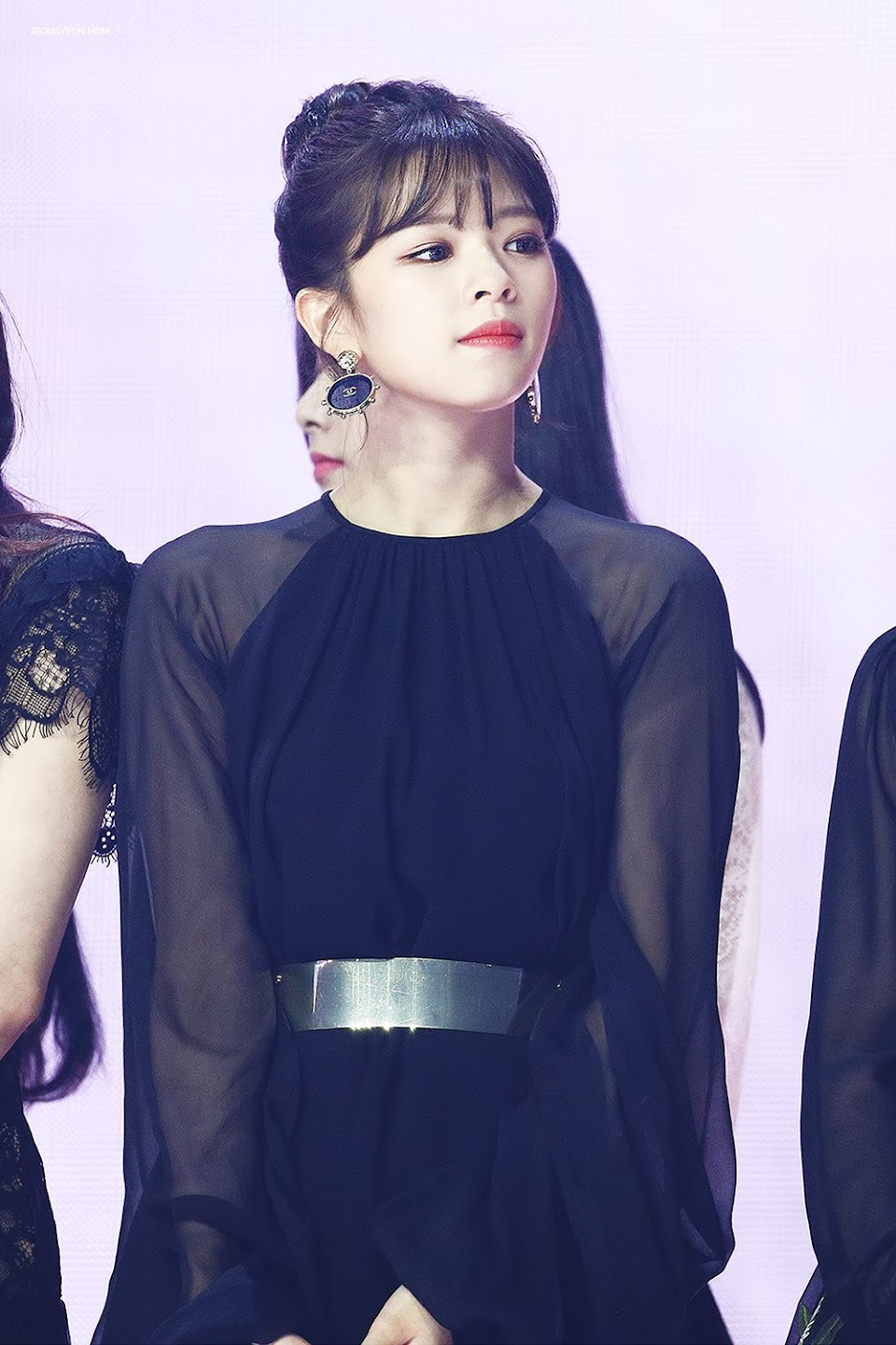 jeongyeon dress 26