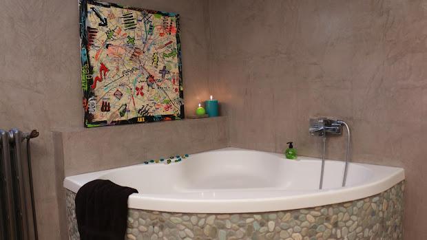 tout savoir sur le béton ciré décoratif.. salle de bain moderne en ... - Enduit Cire Salle De Bain