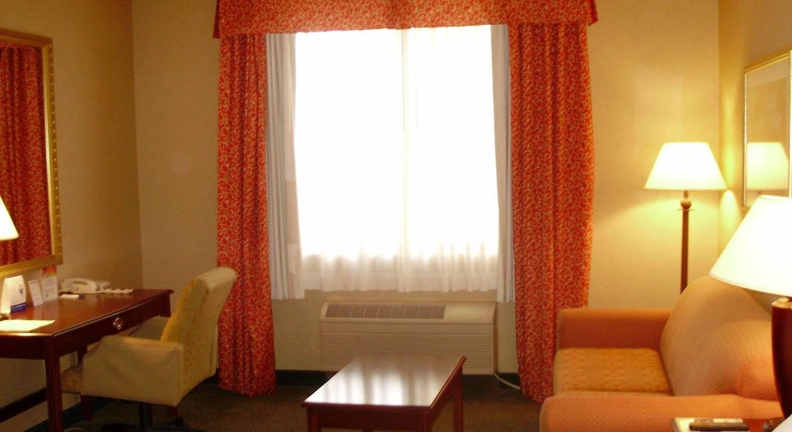 Holiday Inn Express Hotel & Suites Columbus Airport
