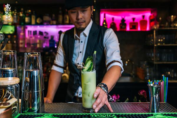 轉角酒吧 La Esquina‧長安東路|型男調酒師創意特調‧小酌買醉皆宜の實力派酒吧!