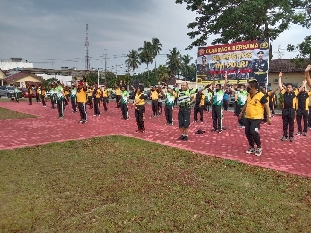 Olahraga Bersama TNI – POLRI di Gelar Polres Baru Bara