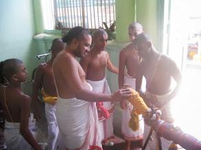 Photo: 3rd day morn - Perumal enter Parasara Bhattar tirumaligai for thirumanjanam