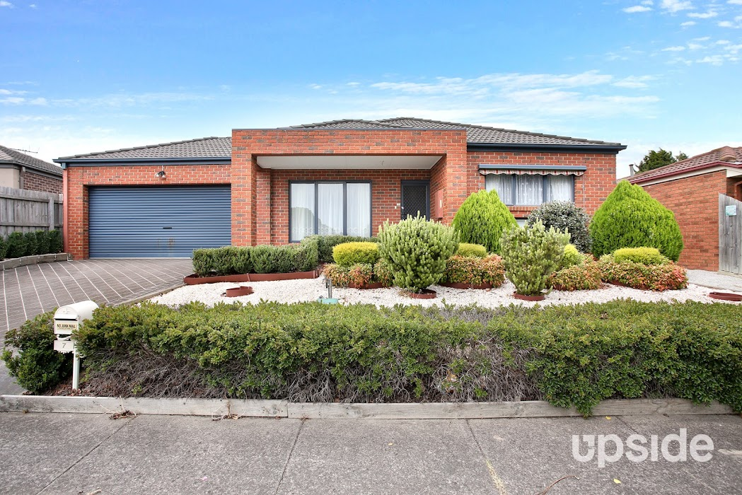 Main photo of property at 7 Wildflower Crescent, Narre Warren South 3805