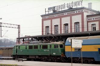 Photo: EP07-311, Toruń Główny - Olsztyn Główny {Toruń Główny; 2003-03-11}