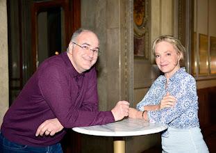 Photo: Vor DON PASQUALE in der Wiener Staatsoper. Premiere am 26.4.2015.  Michele Pertusi, Regisseur Irina Brook. - Copyright: Barbara Zeininger