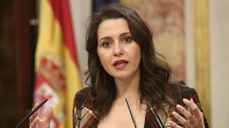 La portavoz parlamentaria de Ciudadanos, Inés Arrimadas, detalla las medidas solicitadas.