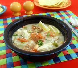 Zdjęcie: Cytrynowa zupa z kurczaka, meksykańska, z ryżem - Delicious Mexican Chicken Rice Soup (fot. Steven Labinski)