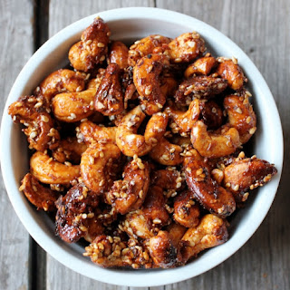 Sweet Ginger Sriracha Roasted Cashews