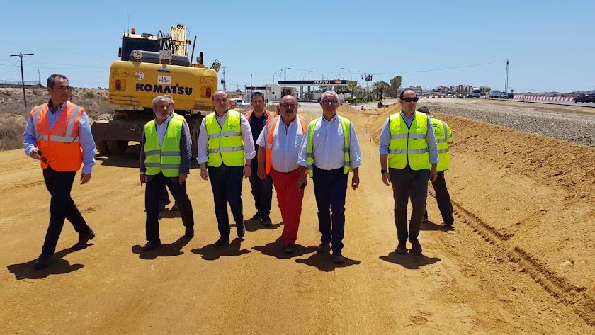 El delegado de Fomento ha visitado las obras del desdoble de la carretera Vera-Garrucha.