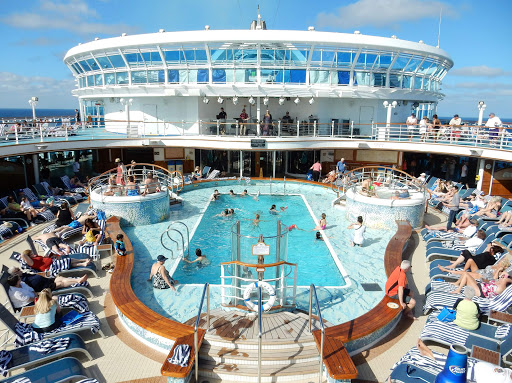Ruby-Princess-main-pool.jpg - The main pool on the Lido deck of Ruby Princess.