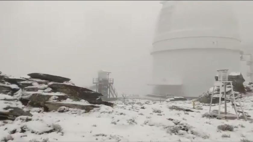 Nieve en Calar Alto en una captura de un vídeo de @josestormchaser.