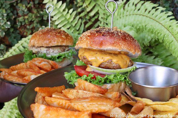 一中商圈隱藏版美食,隱身在二樓的美式漢堡店,超值漢堡套餐不用200元