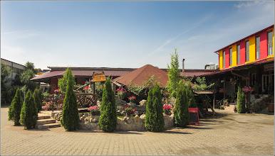 Photo: Turda, Str. 22 Decembrie 1989, Nr.19, Biți - Crama, Restaurant, Pensiune, cu acces si din Str. Fabricii, vedere curte - 2019.06.22